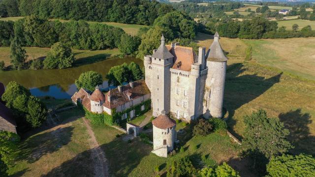 Château de Villemonteix - Saint Pardoux les Cards
