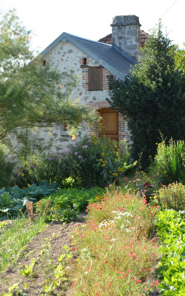 Fleurs et jardin de la Creuse