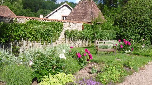 Domaine De Banizette Jardin 2