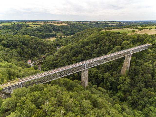 aerial-view-of-tardes-viaduct-left-wide-angle-21st-august-2019-chris-brookes-photographie-no-wm.jpg