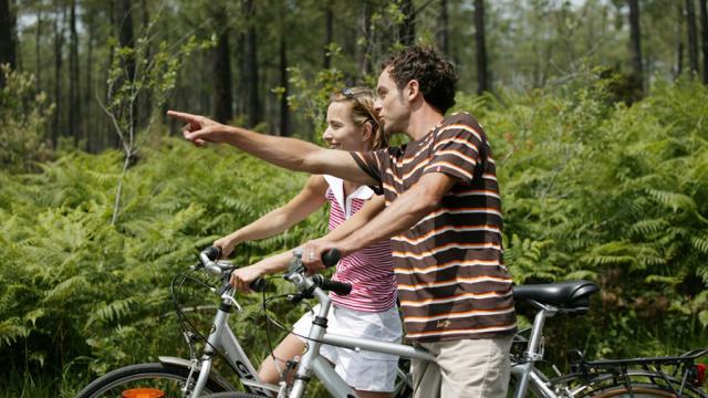 En Balade Touristes A Velo Adrt23