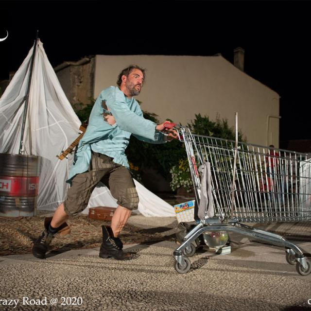 Festival Précaire Aubusson Hamlet Crazy Road