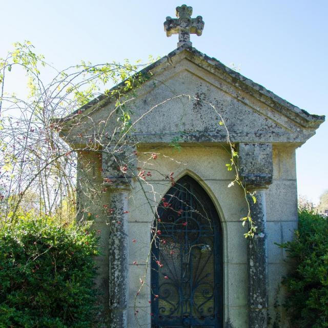 Chapelle au cimetière de St Martin Château