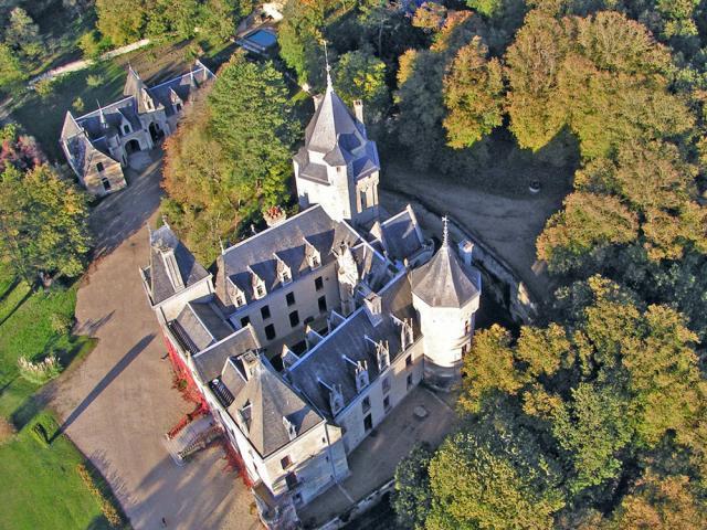 Château de Ternay vu du ciel