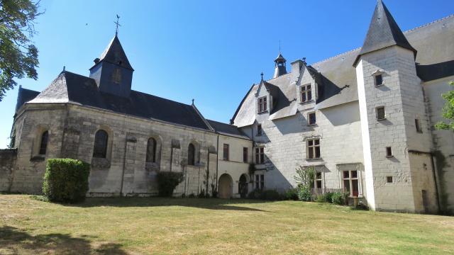 Château de Monts-sur-Guesnes