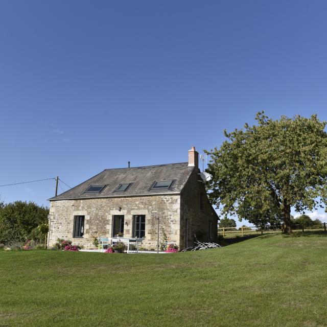 Gite La Petite Vallee Parc Naturel Regional Normandie Maine Saint Calais Du Desert Cp Pascal Beltrami Mayenne Tourisme 1920px