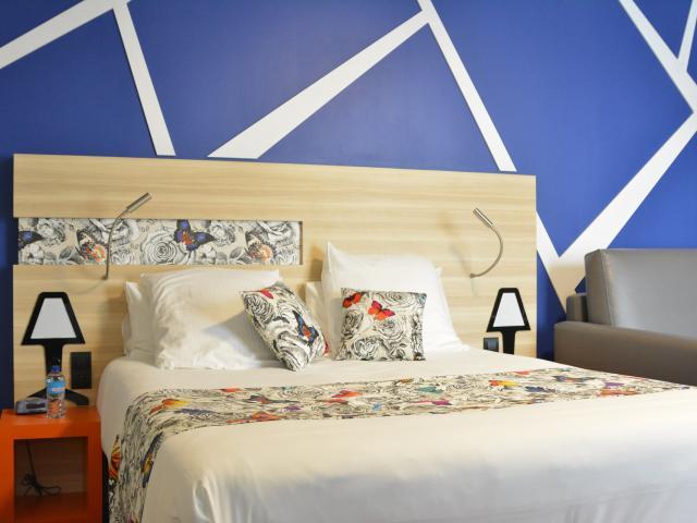 Hotel De Paris Best Western Laval (ville) Cp Emilie D Mayennne Tourisme 1920px