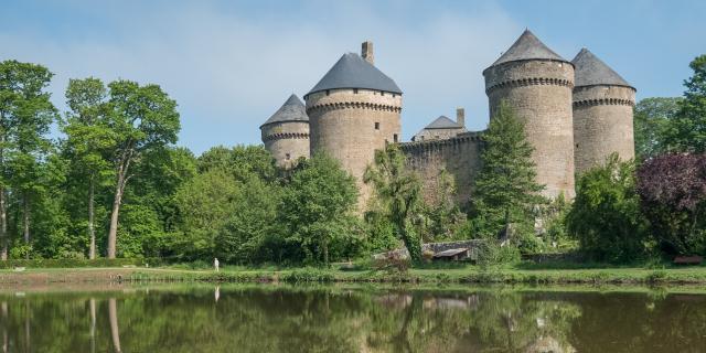 Le Chateau De Lassay Lassay Les Chateaux