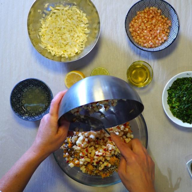 Mélanger tous les ingrédients dans un saladier