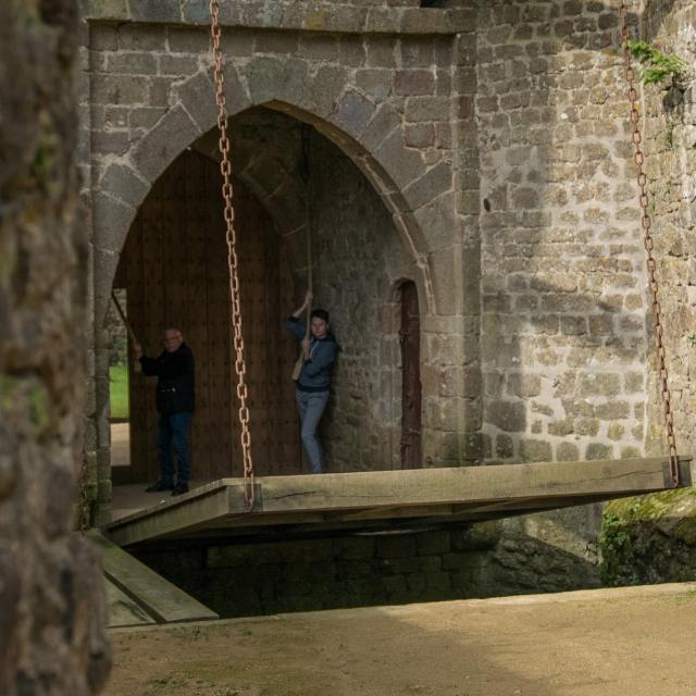 Pont-levis au Château de Lassay - Lassay-les-Châteaux