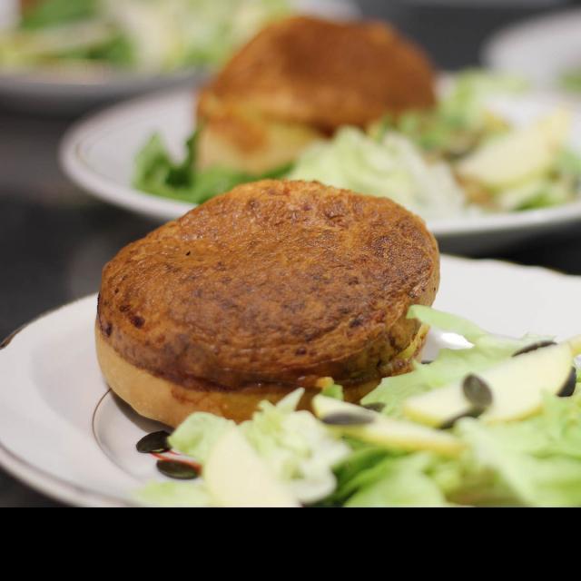 Atelier Cuisine Restaurant Le Beyel à Origné - Soufflet de Canard à la Tomme d Entrammes