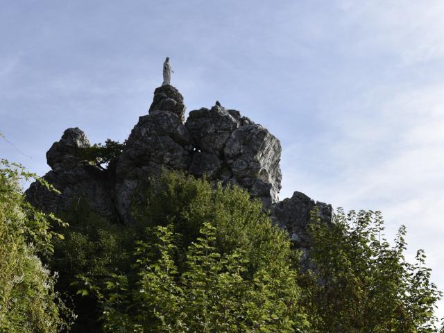 Rocher de la Vierge à Chailland