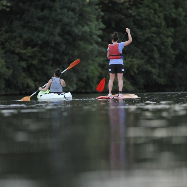 Paddle - canoe sur la rivière la Mayenne