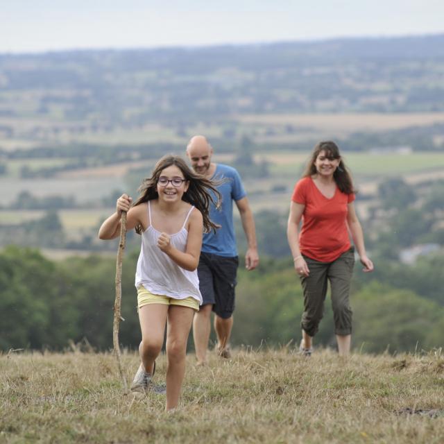 Randonnee En Famille Dans Le Nord Est De La Mayenne