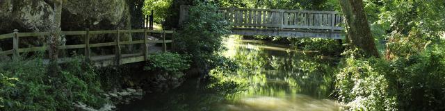 Riviere de l'Erve Saulges Pont Vallee des Grottes de Saulges