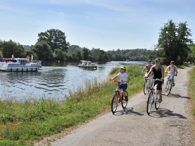 Tourisme Fluvial rivière la Mayenne