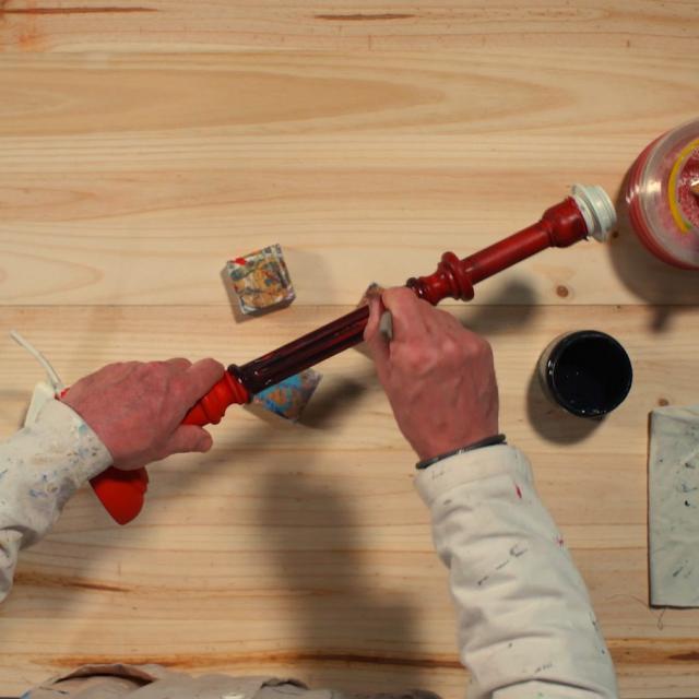 Tutoriel Relooker Une Lampe Etape 7 Etaler La Peinture Noir Sur Le Pied Et Laisser Secher 6h