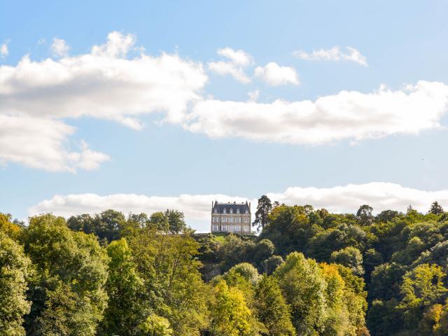 Chateau de la Roche - La Mayenne (riviere) Origne