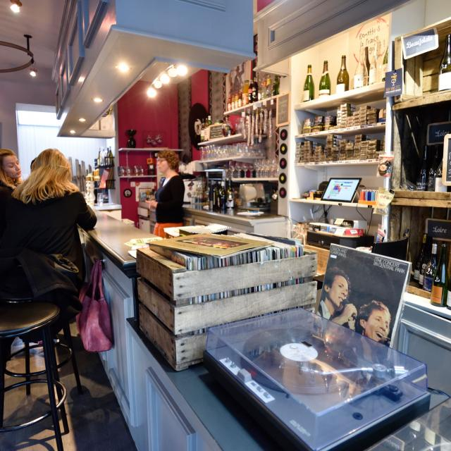 bar à vin le vin'yle à Laval