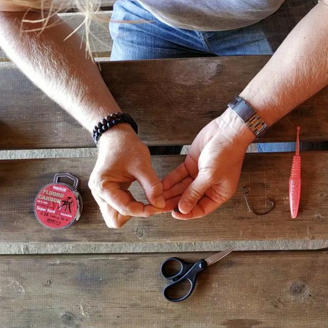 Etape 1 Enfiler Le Plomb Sur Le Fluo Carbonne Tuto Pêche Montage Texan