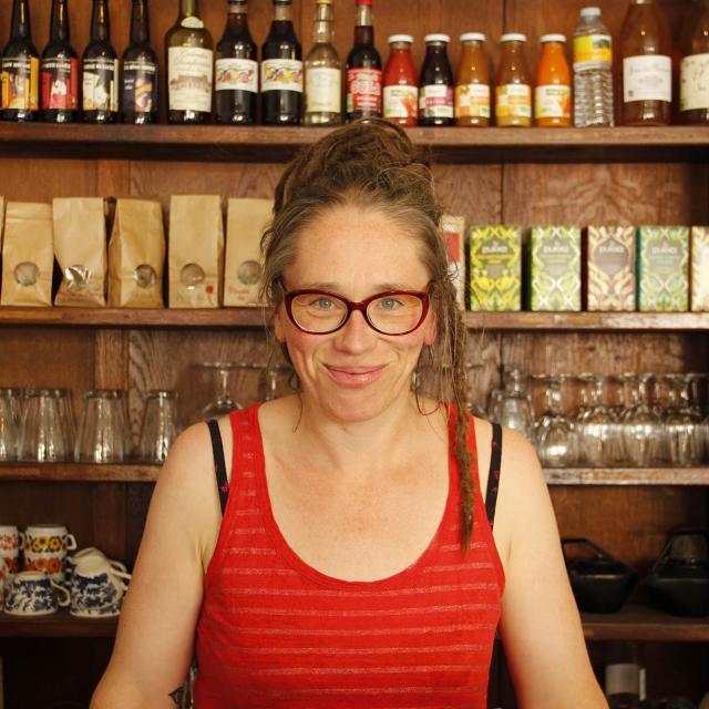Portrait Céline Pelluau - Le Comptoir - Pre en Pail