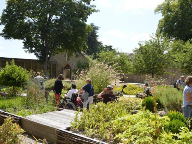 Jardin Château Mayenne Accessibilité