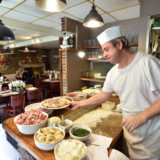 Pizzeria La Sosta Pre En Pail Saint Samson