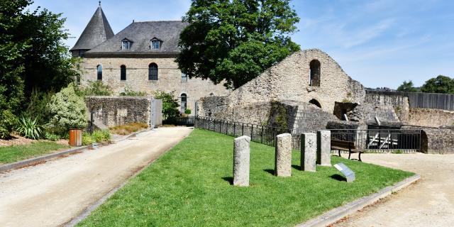 Musee Du Chateau De Mayenne Vallee De Haute Mayenne Mayenne (ville) Cp Pascal Beltrami Mayenne Tourisme 1920px