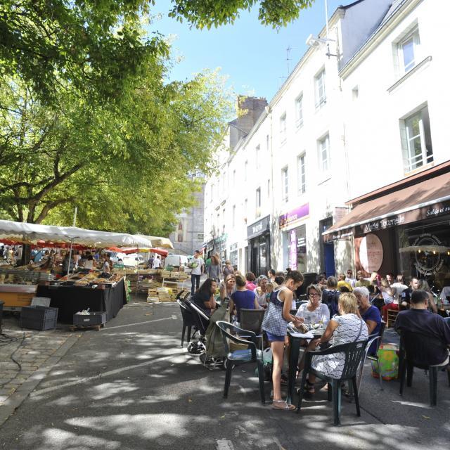 Place Du Marche Laval (ville) Cp Pascal Beltrami Mayenne Tourisme 1920px