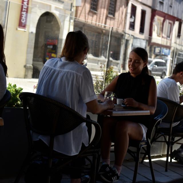 terrasse-de-cafe-restaurant-laval-ville-cp-pascal-beltrami---mayenne-tourisme-1920px.jpg