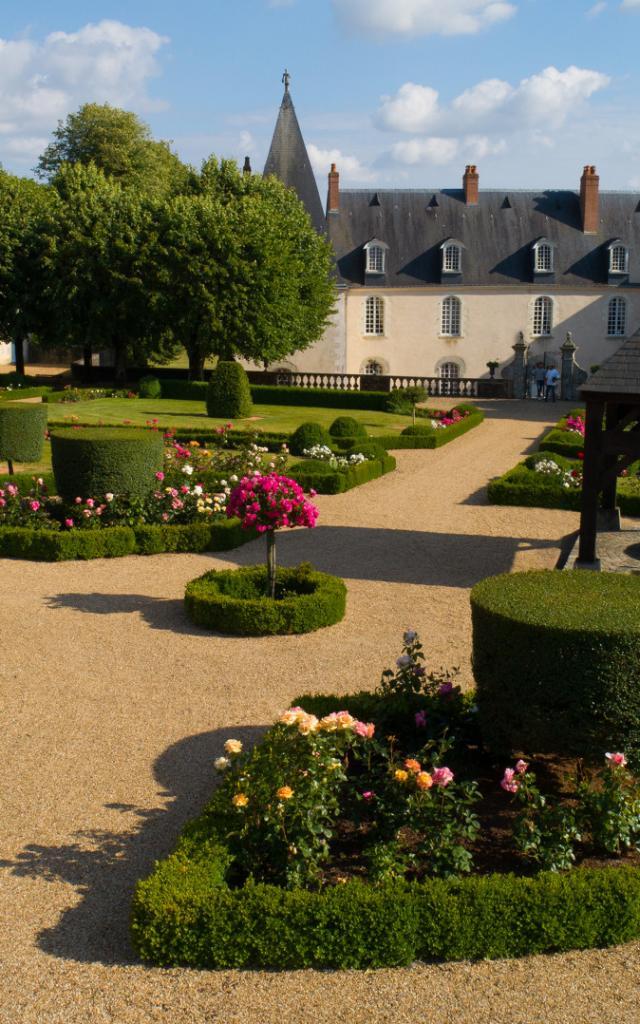 chateau-d-hauterives-argentre-cp-pascal-beltrami---mayenne-tourisme-1920px.jpg