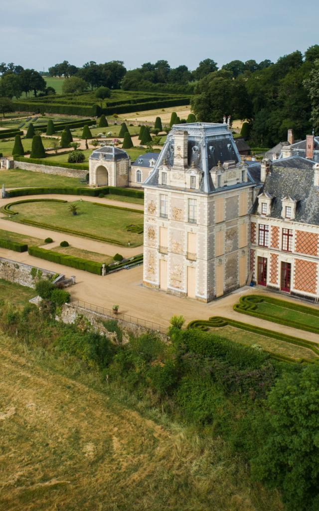 Chateau De La Rongere Saint Sulpice Cp Pascal Beltrami Mayenne Tourisme 1920px (1)