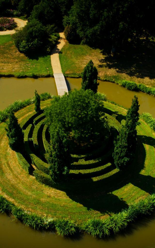 Chateau Des Arcis Meslay Du Maine Cp Pascal Beltrami Mayenne Tourisme 1920px (1)