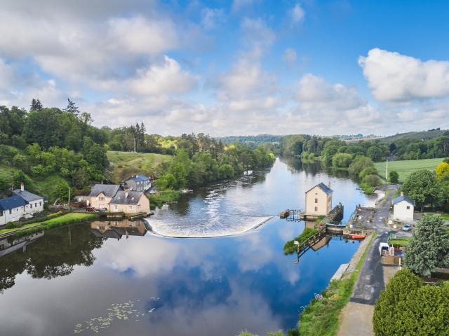 Ecluse De Neuville La Mayenne (riviere) Saint Sulpice Cp Alexandre Lamoureux 1920px