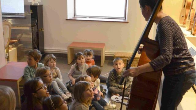 Atelier enfant musée de la lutherie