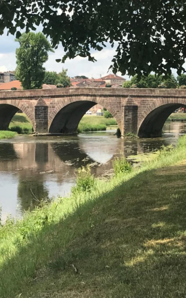 Pont Mirecourt