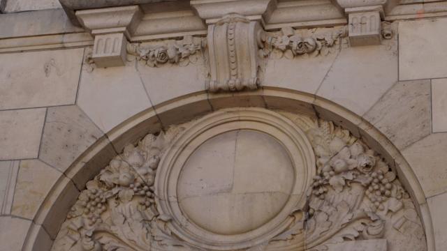 Détail Bâtiment Caisse D'epargne Clasquin
