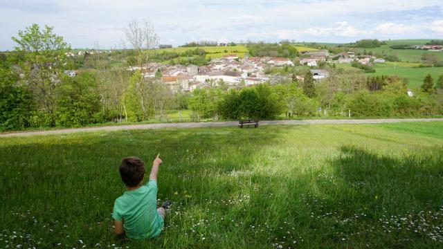 Vue Sur Ville Sur Illon