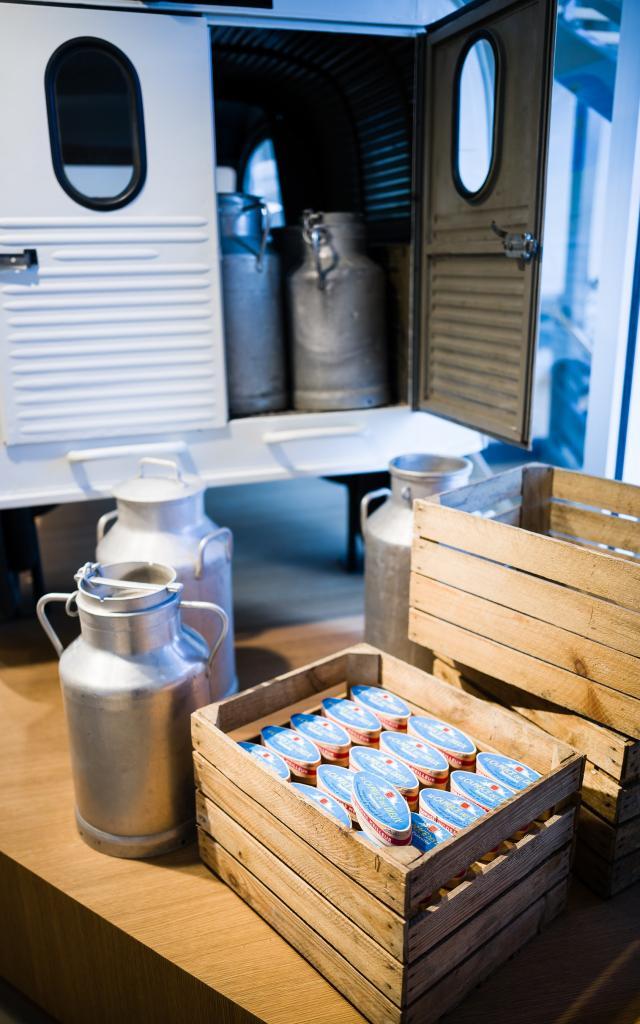 Voiture de livraison de lait, Divine Fromagerie