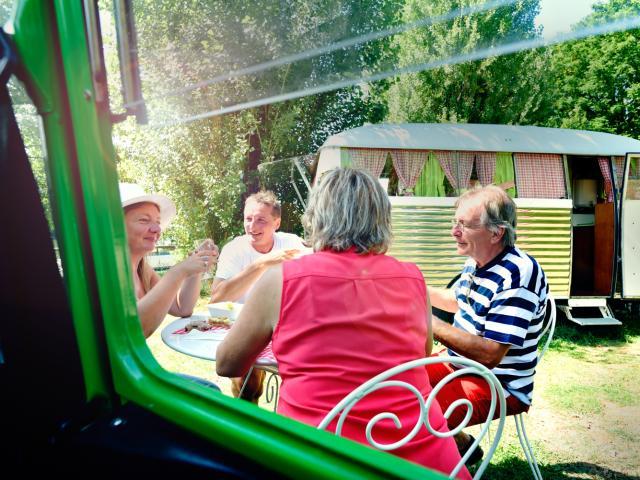 Camping vintage Oeil dans le Rétro d'Avoise