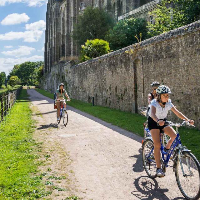 Randonnée du Tour de l'abbaye de Solesmes en vélo ou à pieds
