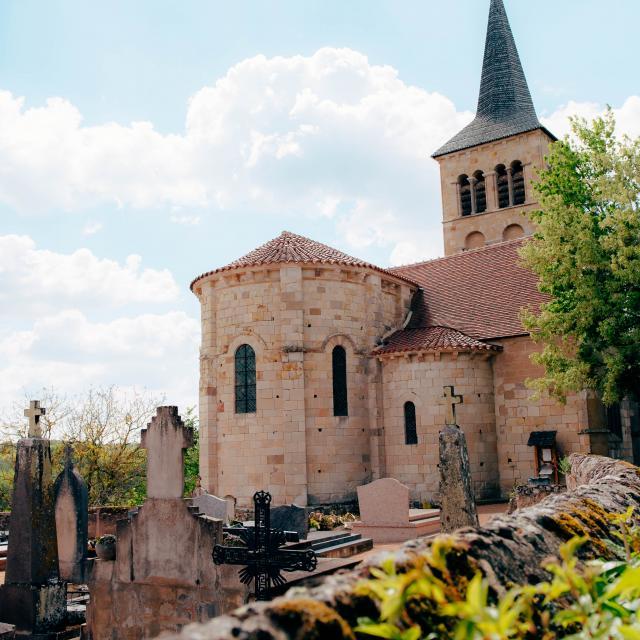 village-medieval-herisson-eglise-chateloy-01