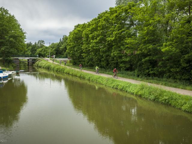 voie-verte-canal-de-berry-9