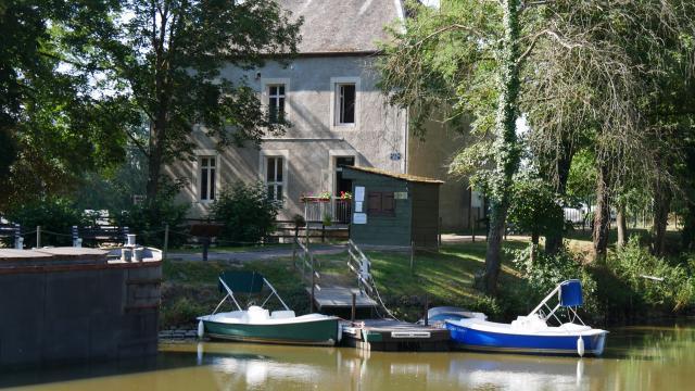 musee-canal-de-berry-audes-08