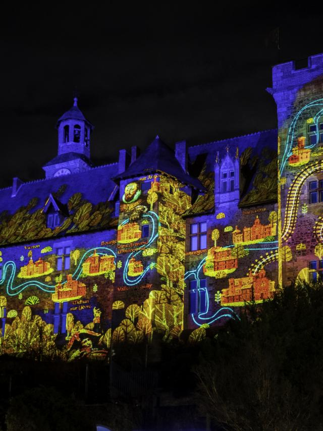 Video Mapping Chateau Ducs De Bourbon Montlucon 04
