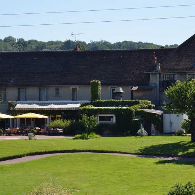 hotel-restaurant-le-lion-d-or-estivareilles-07