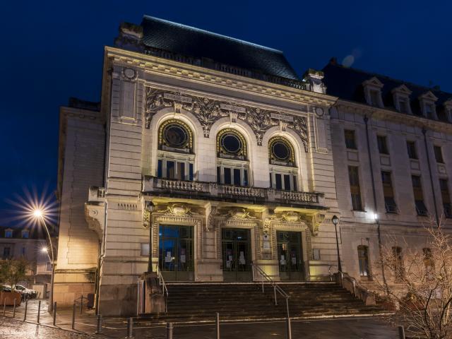Theatre Municipal Gabrielle Robinne Montlucon Nocturne Parcours Lumiere 1