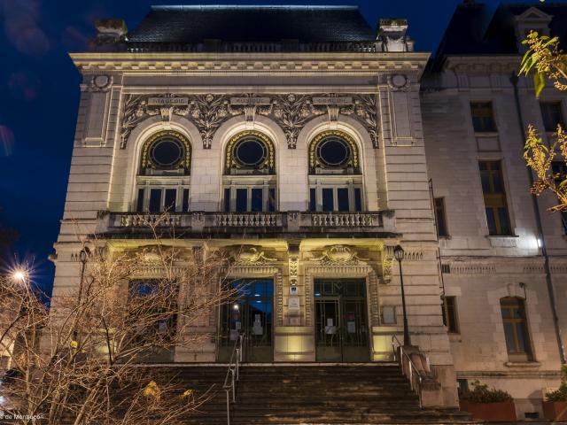 Theatre Municipal Gabrielle Robinne Montlucon Nocturne Parcours Lumiere 2