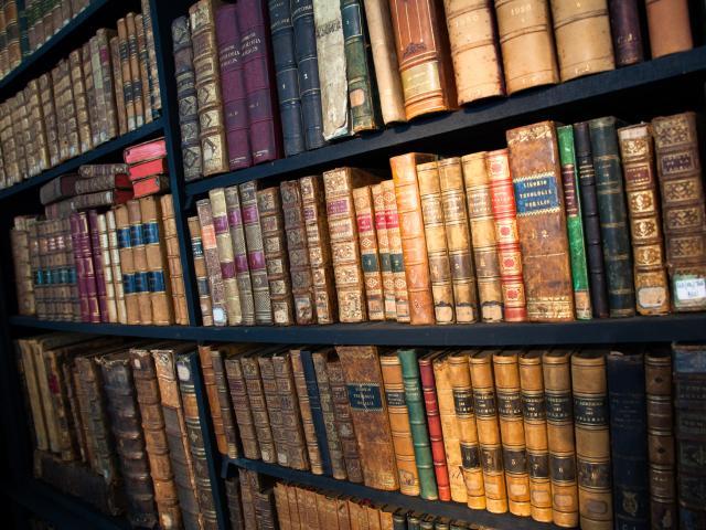 La Chartre-sur-le-Loir, Bibliothèque, Gregoire