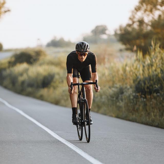 Vélo en piste cyclable